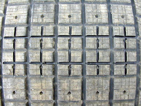 1/4 grooved tread blocks